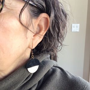 Earrings with suede